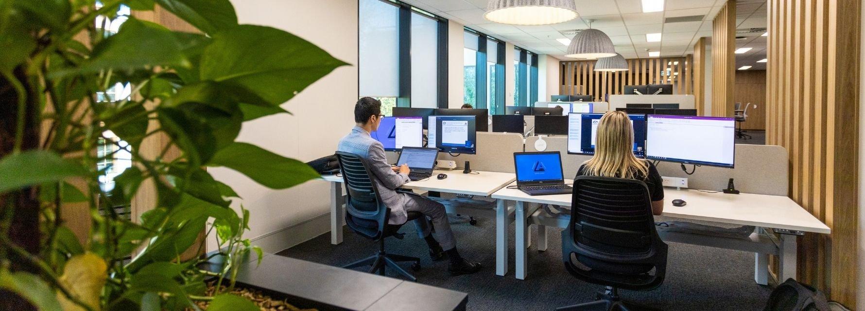 Semi-focused work spaces
