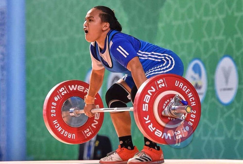 athlete weightlifing